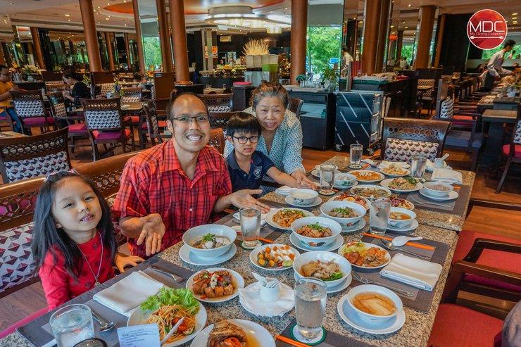 ข้าวต้มบุฟเฟ่ต์ ตำนานแห่งพระนคร ครองใจยาวนานกว่า 26 ปี @ Park Café – Chaophya Park Hotel